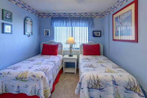 BC 2015 Twin Bedroom Beds